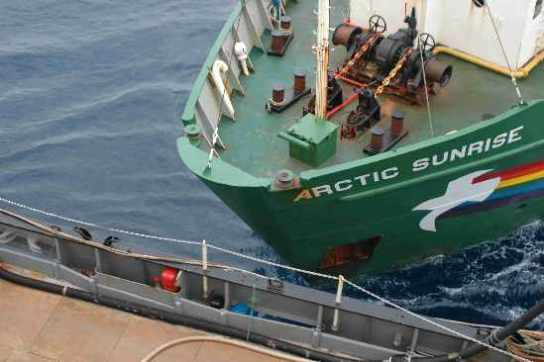 kapal-ditabrak