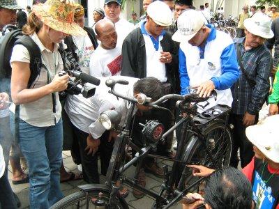 sepedanya-terkenal-loh